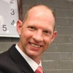Dr Thenus Pelser